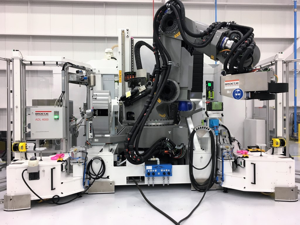 PowerRACe is the first robot specifically designed for applications in the aerospace industry developed by Broetje-Automation. Photo: Broetje-Automation GmbH
