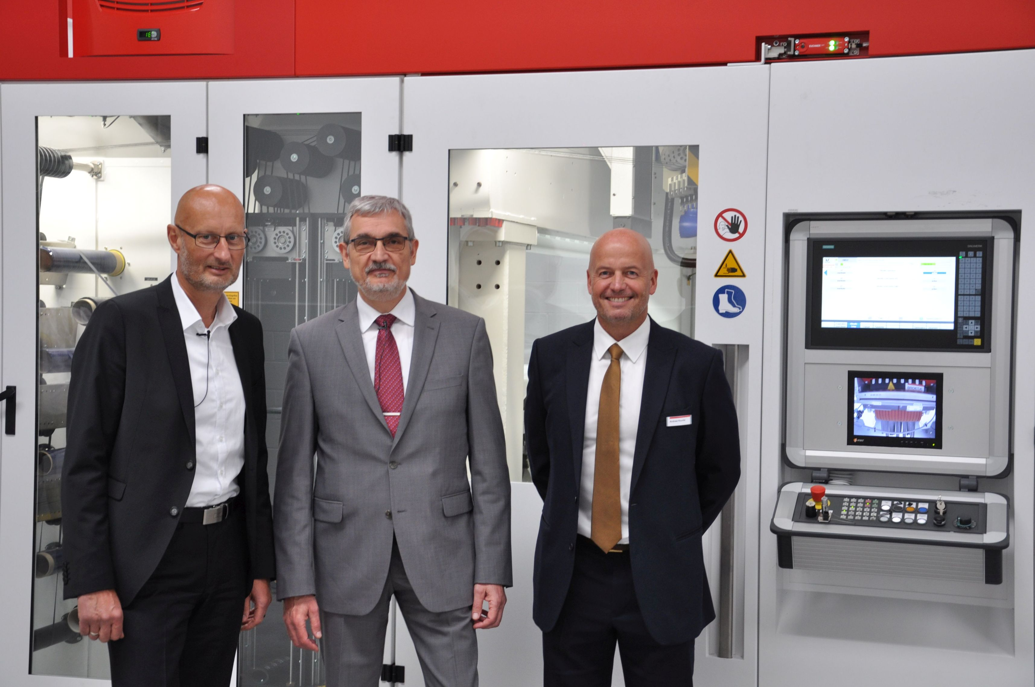 left to right: Lutz Neugebauer, CEO Broetje-Automation GmbH; Wulf Heuschen, CEO Broetje-Automation UK Ltd.; Andrew Rourke, Head of Business Development & Sales, Broetje-Automation UK Ltd. (Photo: Broetje-Automation)
